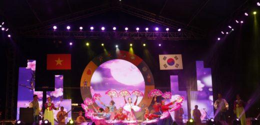 """Nhiều hoạt động giải trí hấp dẫn mang đậm bản sắc của """"xứ sở kim chi"""" tại Quảng Nam"""