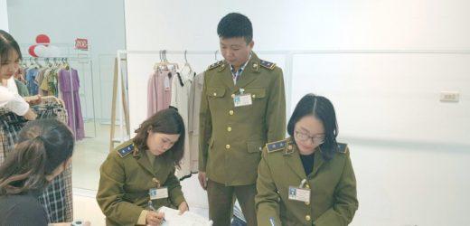 Tạm giữ hơn 400 quần áo gắn thương hiệu IFU