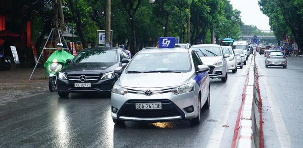Xe ô tô kinh doanh vận tải từ 9 chỗ trở lên phải lắp camera ghi hình