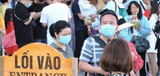 """Du lịch Việt """"ốm nặng"""" vì dịch Corona"""