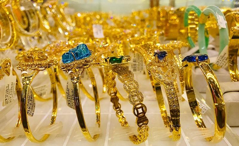 Giá vàng trong nước giảm tuần thứ ba liên tiếp