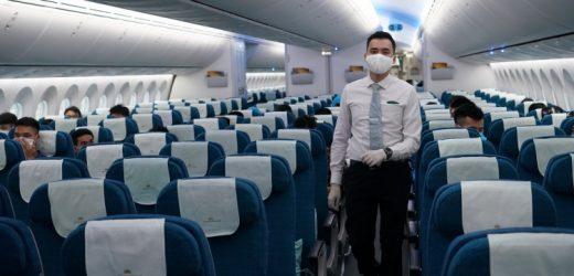 Hàng không thực hiện chuyến bay thương mại quốc tế thường lệ đầu tiên sau Covid-19