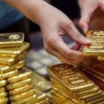 Giá vàng trong nước diễn biến ngược chiều với vàng thế giới