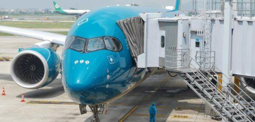 Đề xuất tiếp tục giảm thuế phí cho hãng hàng không