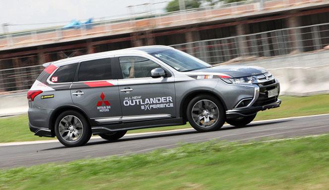 Bị trôi khi dừng, đỗ, hơn 300 xe Mitsubishi Outlander dính án triệu hồi tại Việt Nam