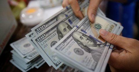 Đồng USD mất dần vị thế bá chủ