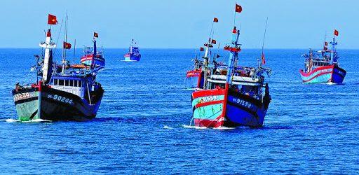 Xử lý nghiêm tàu cá khai thác hải sản trái phép