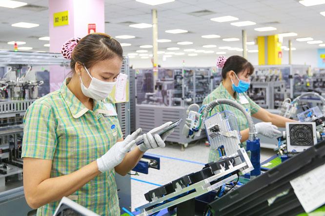 Nhu cầu hàng hóa thế giới phục hồi, xuất khẩu tiếp tục khởi sắc