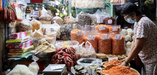 Bộ Y tế yêu cầu xét nghiệm Covid-19 hàng tuần tại các chợ