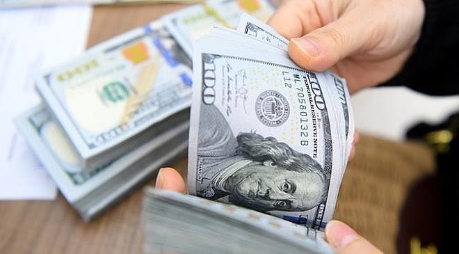 """Đồng USD """"nín thở"""" chờ siêu lạm phát Mỹ"""