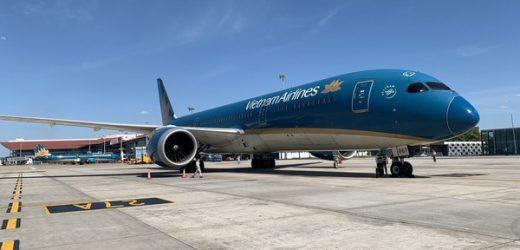 Chính thức tạm dừng các đường bay nội địa đến một số sân bay phía Nam